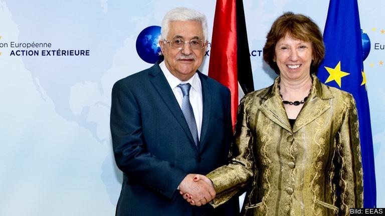 Den palestinska myndighetens presidenten Mahmoud Abbas träffar EU:s utrikeschef Catherine Ashton Arkivbild.