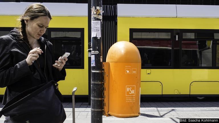Roamingavgifter tillkommer när man använder sin mobil – ringer, SMS:ar eller surfar – i något annat land. Arkivbild.
