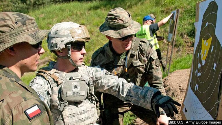 Amerikanska 173:de luftburna brigaden utbildar polska armén 2014.