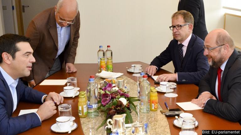 Greklands premiärminister Alexis Tsiprasi samtal med EU-parlamentets socialdemokratiske talman Martin Schulz under torsdagens möte.