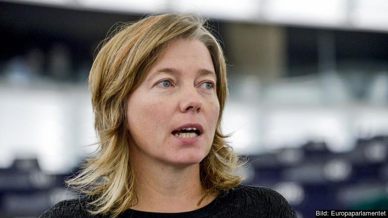 Våld mot kvinnor är inte en privat angelägenhet. Vi välkomnar därför EU:s anslutning till Istanbulkonventionen, skriver Europaparlamentariker Malin Björk (V).