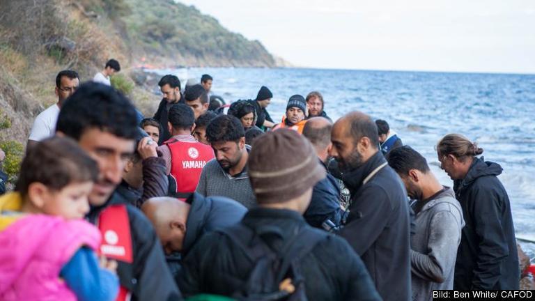 Flyktingar landstiger i Grekland. Arkivbild.