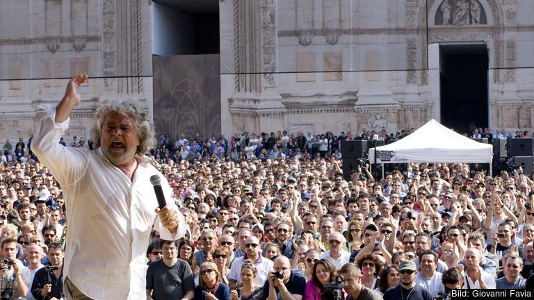 Beppe Grillo leder den italienska populistiska Femstjärnerörelsen som vill ha bort premiärminister Matteo Renzi från makten. Arkivbild.