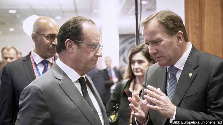 Frankrikes president François Hollande i samtal med statsminister Stefan Löfven under torsdagens EU-toppmöte.