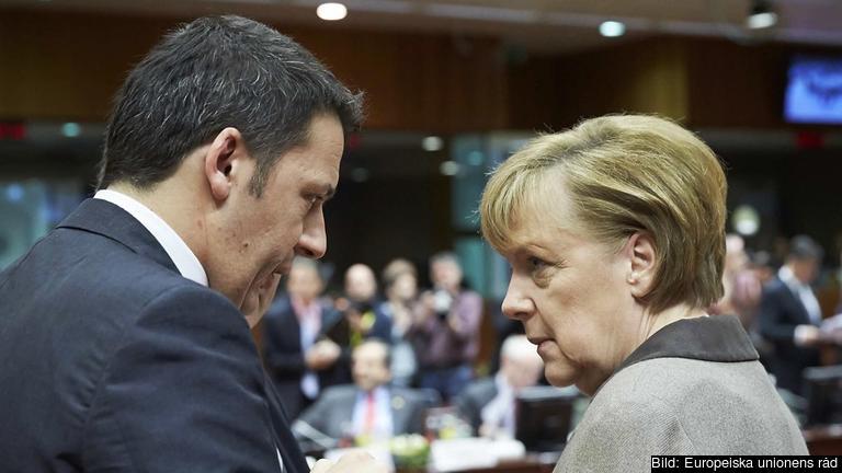 Den italienske socialdemokratiske premiärministern Matteo Renzi har seglat upp som den tyska kristdemokratiska förbundskanslern Angela Merkels viktigaste ekonomipolitiske motståndare. Arkivbild.