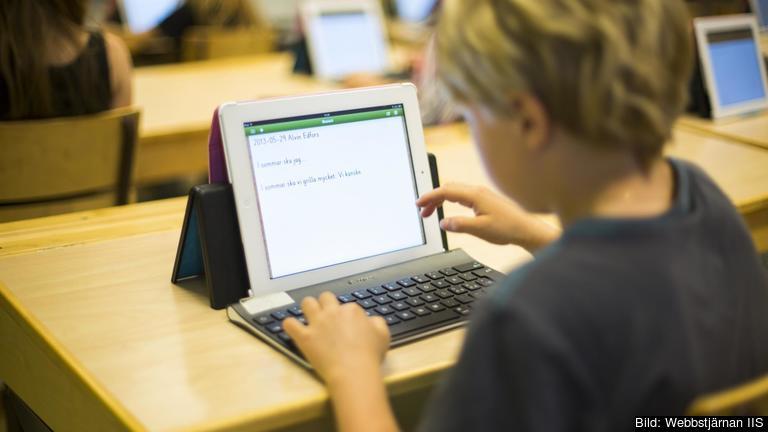 Sverige har redan nått sina två mål fram till 2020 att 45 procent av invånarna i åldern 30-34 år ska vara akademiskt utbildade och att högst sju procent  av 18-24 åringar ska endast ha grundskoleutbildning.  Arkivbild