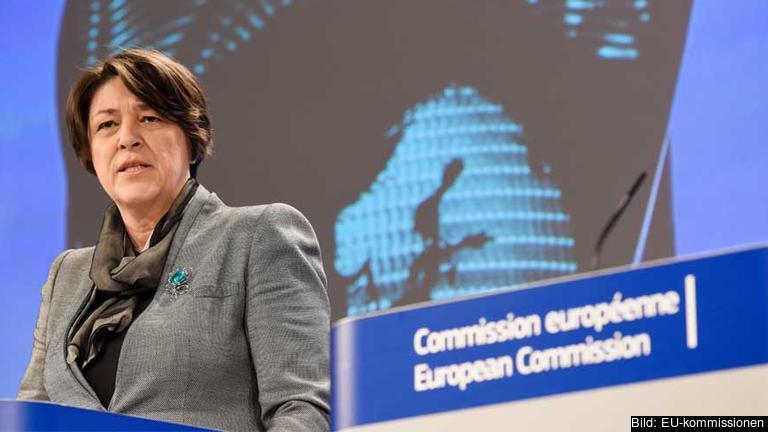 EU kan inte längre tolerera en situation där omkring 25 000 människor förlorar sina liv bara av den anledningen att de trafikerar våra vägar, skriver EU:s trafikkommissionär Violeta Bulc.