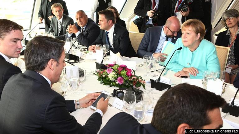 En del av EU-ledarnas möte hölls i en båt på Donau.