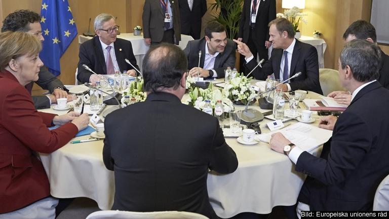 I över tre timmar pågick det extrainsatta minitoppmötet om Grekland.