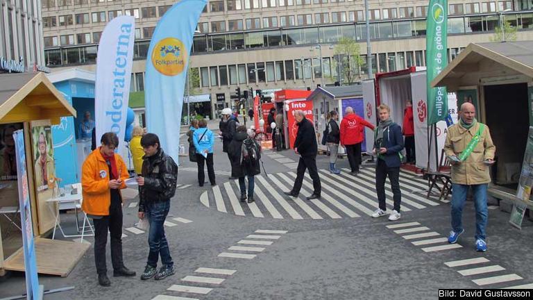 EU-valet 2014 vid Sergels torg, Stockholm. Personerna på bilden har inget med artikel att göra. Arkivbild.