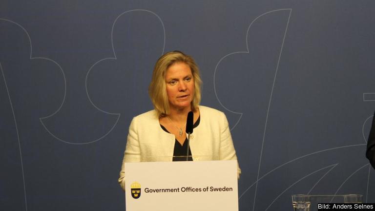 Finansminister Magdalena Andersson (S) ändrar sig om solskatt. Arkivbild.