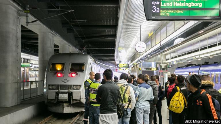 Migrationsverket uppskattar att det i år kommer runt 160 000 nyanlända flyktingar till Sverige. Arkivbild.