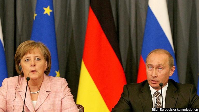 Angela Merkel och Vladimir Putin. Arkivbild.