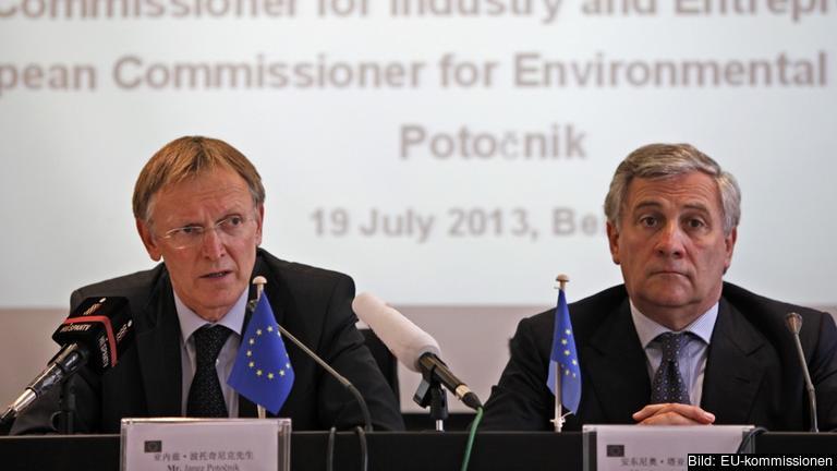 Tidigare miljökommissionär Janez Potočnik och industrikommissionär Antonio Tajani. Arkivbild.