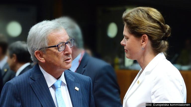 EU-kommissionens tillträdande ordförande Jean-Claude Juncker i samtal med Alenka Bratušek som tidigare varit Sloveniens premiärminister. Arkivbild.