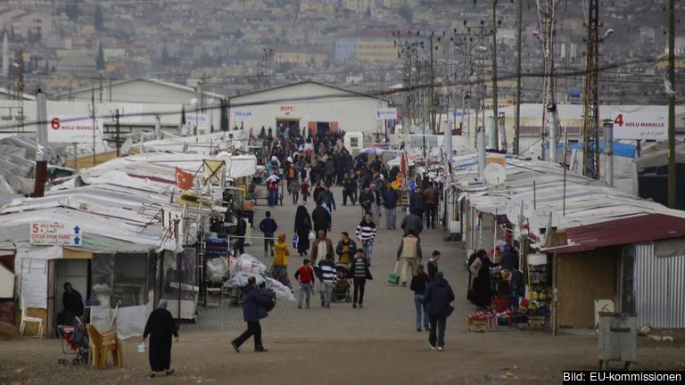 Flyktingläger utanför turkiska  Gaziantep. Sammanlagt beräknas över tre miljoner flyktingar bo i Turkiet. Arkivbild.