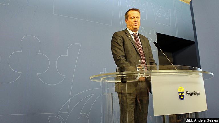 – EU-parlamentariker är ju valda på sina egna mandat. Det ska man vara tydlig med, säger inrikesminister Anders Ygeman (S). Arkivbild.