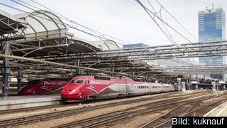 Snabbtåget Thalys på Bryssels internationella järnvägsstation.