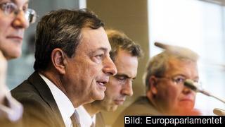 Mario Draghi under måndagens utfrågning i EU-parlamentets ekonomiutskott.