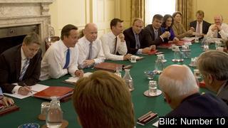 David Cameron tillsammans med ministrar från hans förra regering. Arkivbild.