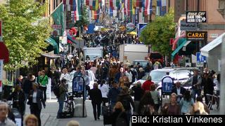 Svenskar uppskattar att andelen arbetslösa i landet uppgår till nästan en fjärdedel av befolkningen. Arkivbild.