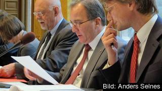 Statsminister Stefan Löfven på sitt första möte i EU-nämden begrundar förhandlingsbuden.