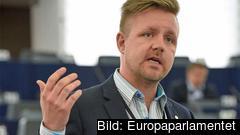– Beskedet från EU-kommissionen är glasklart, säger Fredrick Federley (C).